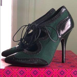Tory Burch Oxford heels!